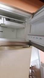 Geladeira 420 litros duas portas