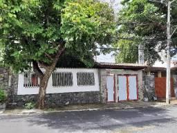 Terreno 2 casas Pituba 4 Suítes Ideal para Clinicas, Construção e Comercial Oportunidade