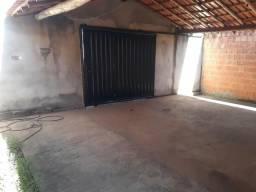 Casa Com Quintal Grande/Bairro Joaquim Costa
