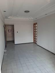 Cód. 083 Apartamento de 2 quartos na Timbó entre Duque e 25