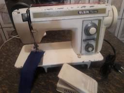 Vendo maquina de costurar Elgin zig zag vendo por 400 reais