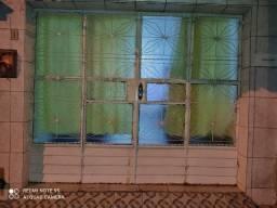 Portão de ferro já com os vidros