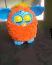 Boneco Furby interativo