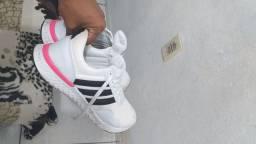Troco ou vendo sapato de primeira linha número 39