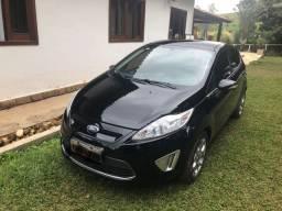 New Fiesta SE completo