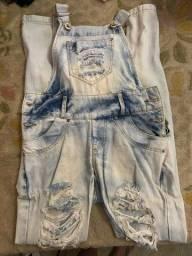 Macacão jeans desfiado estonado