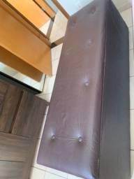 Título do anúncio: Baú para roupas de cama em couro marrom