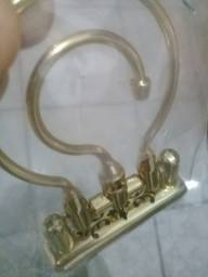 ganchos dourados para gaiolas