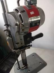 Título do anúncio: Máquina de cortar tecido