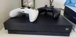 Xbox one X 1 TB + 2 controle + 2 jogassos!