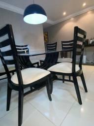 Título do anúncio:  Mesa com tampo de vidro com seis cadeiras