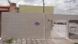Casa de 02 Quartos no bairro do Alto Branco