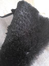 Vendo tapete pelo alto preto