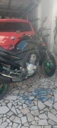 Vendo moto Cb250 Twister a mais nova que você vai ver