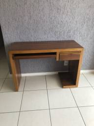 Mesa escrivaninha de madeira