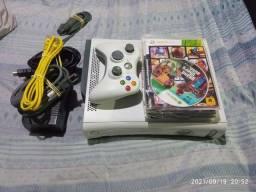 Título do anúncio: Xbox 360 fat completo
