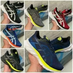 Vendo tênis Asics e adidas boots ( 110 com entrega)
