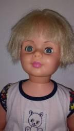 Amiguinha, boneca