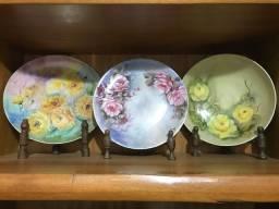 Pratos decorativos pintados à mão
