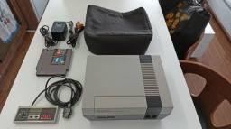 Nintendinho 8 bits NES Playtronics + 1 jogo