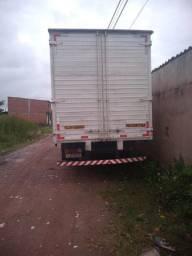 Caminhão bau 78 em bom estado VENDO/ TROCO