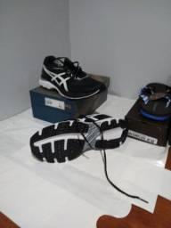 1 asics Tênis + 1 Chinelo Kenner + 1 camisa + 1 Relógio + 1 Bermuda