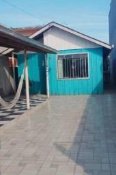 Casa a uma quadra da praia Guaratuba