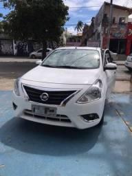 Nissan Versa Branco conservadíssimo