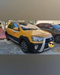 Toyota etios cross 2014 amarelo pouco rodado