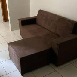 Sofá de 3 Lugares com Puf No Boleto