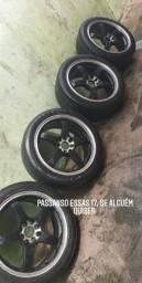 Roda aro 17 com pneus meia vida..  umas das rodas precisa de reforma!!