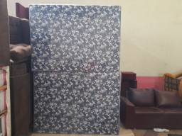 Cama box de casal no valor de 350