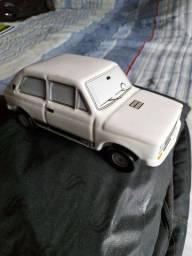 Vendo carrinho de cerâmica coleção Fiat 147 rallye