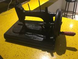 Máquina de costura manual Clemens inglesa.