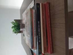 Livros praticamente novos