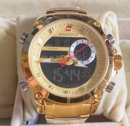 Título do anúncio: Relógio Dourado Grande em Aço Naviforce Novo Original (aceito cartão )