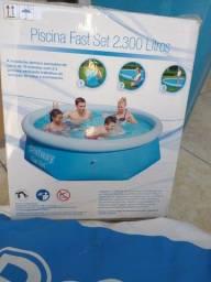 Título do anúncio: Piscina Bestway 2.300 litros usada