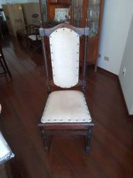 Cadeira colonial antiga