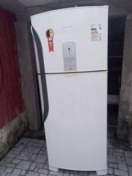 Vendo esta geladeira Panasonic