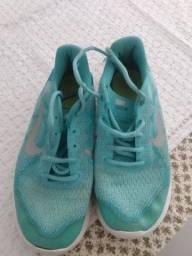 Tênis Nike infantil original Tam 33/34!
