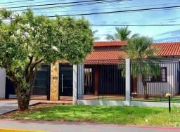Casa no Parque Alvorada com piscina e ótima localização