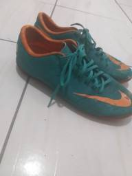 Chuteira Nike mercurial 43
