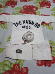Kimono pra luta taekwondo