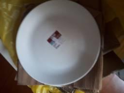 Título do anúncio: Pratos de porcelana