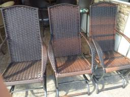 Cadeira de balanço enrolado em fibra sintética