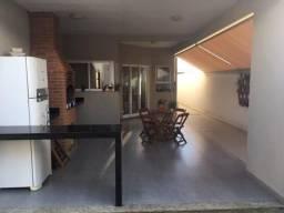 Sobrado Green Park - design moderno - 3 suítes no piso inferior - área gourmet - sacada