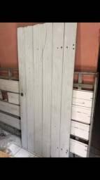 Portão em madeira