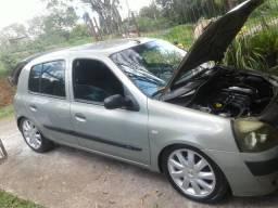 Vendo Clio PREVILEGE 11.000 PILA - 2003