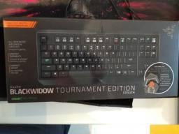 Teclado Gamer Mecânico Razer Blackwidow Tournament Edition Stealth