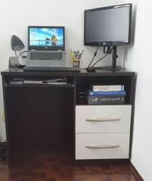 Mesa escritório com módulo com porta e prateleira